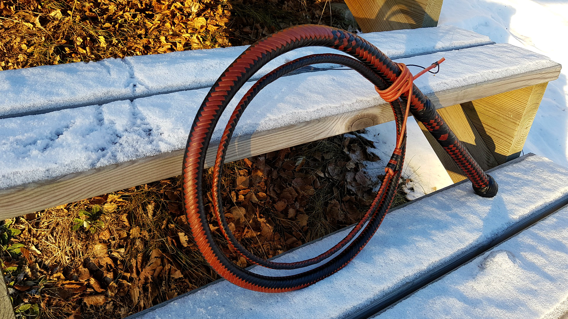 Black whisky Bullwhip