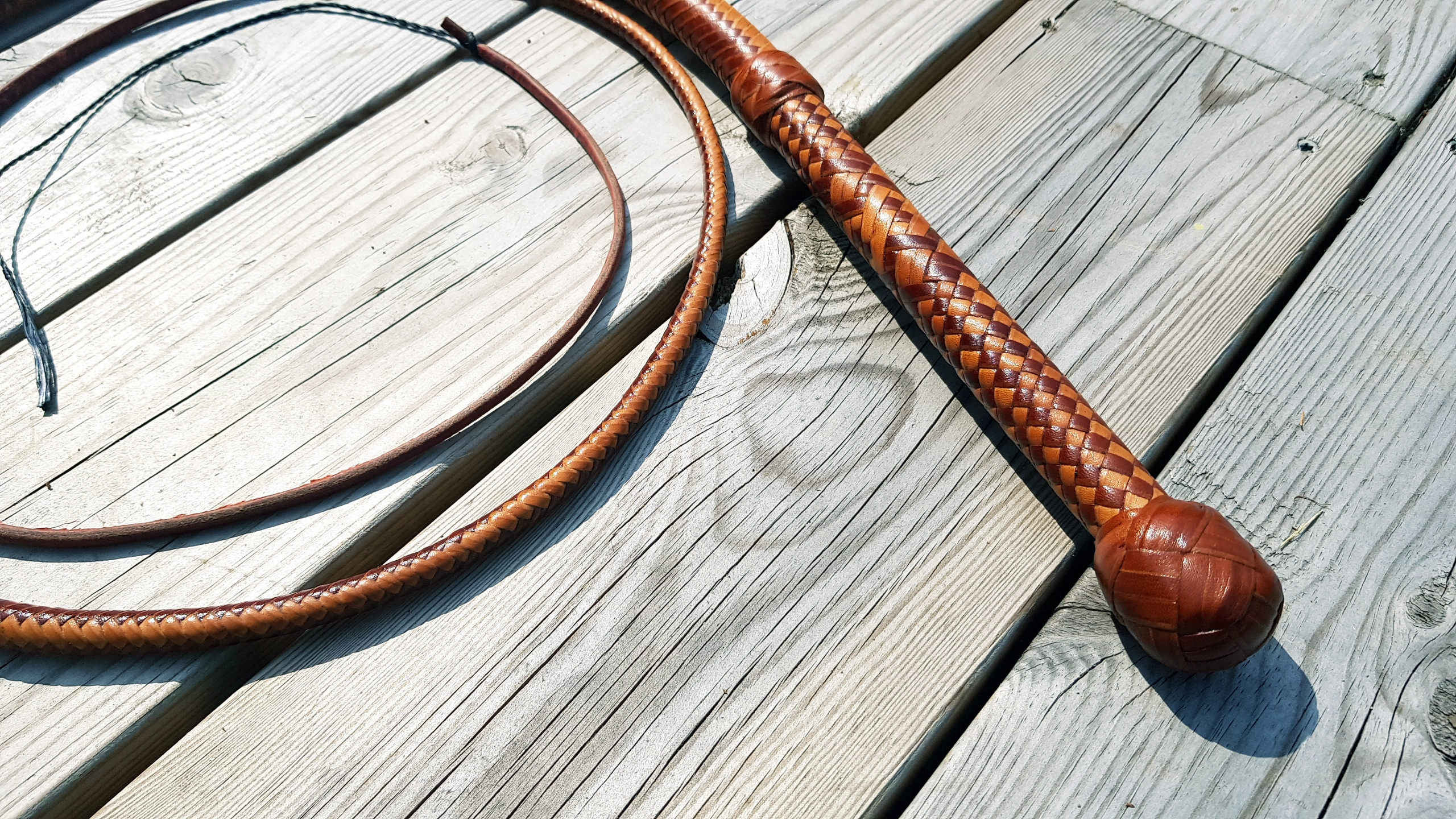 Bullwhip handle Turks head knot