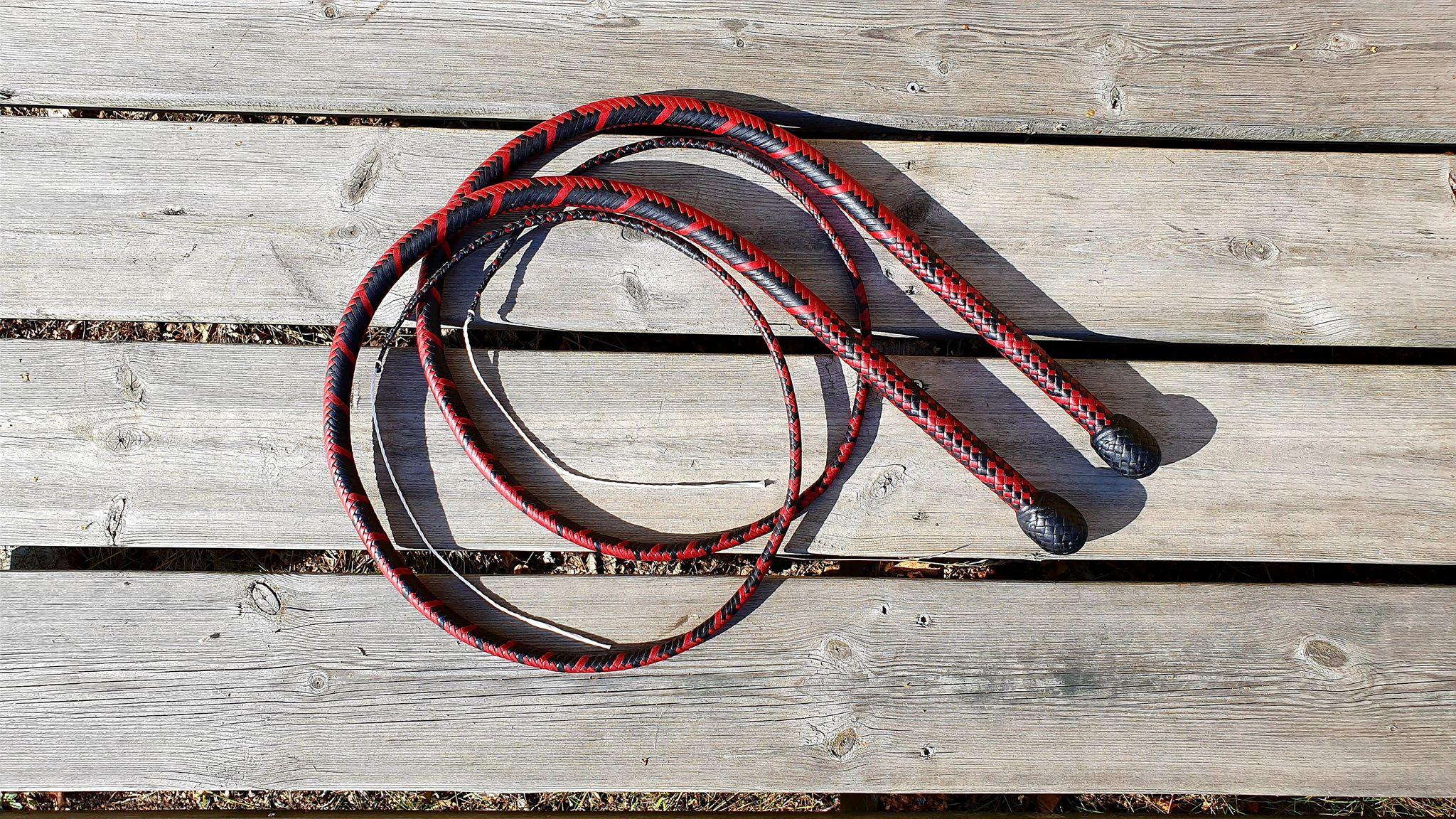 Red black whip