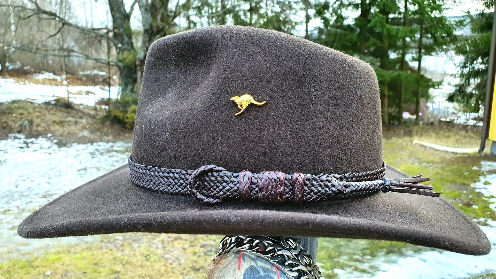 Leather hatband braided