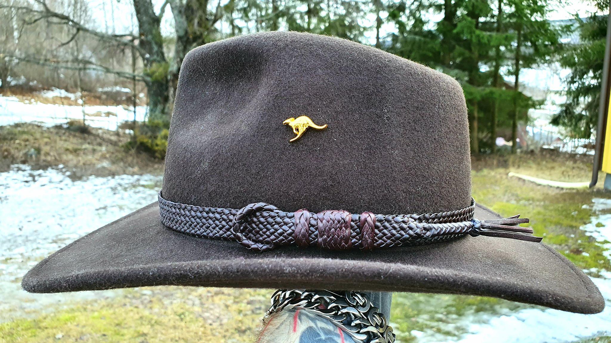 Leather hatband braided